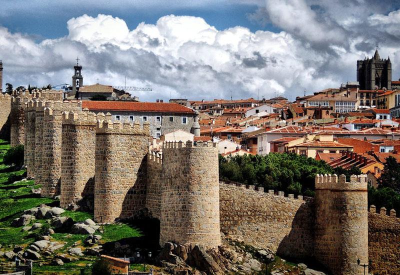 Murallas medievales en Ávila