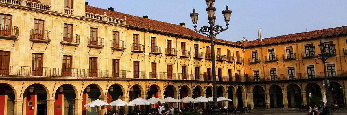 nora2 santamaria Seguir Plaza Mayor de Leon. Foto: nora2 santamaria
